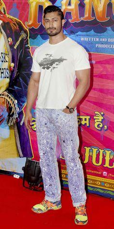 Vidyut Jamwal at screening of 'Guddu Rangeela'.