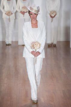 Mariage d'hiver: nos 60 robes coups de cœur  http://www.femina.ch/mode/mariage-dhiver-nos-60-robes-coups-de-coeur