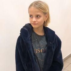 Когда едешь попеть на очередной фестиваль))) ...🎤 🎶... #agniabarskaya#singer#music#fashionkids#actor#cute#юмор#model#kidsmodel#modellife#top#mood