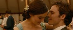The new official trailer for Me Before You - in UK cinemas June directed by Thea Sharrock and starring Emilia Clarke, Sam Claflin, Jenna Coleman and Matthew Lewis, based on the novel by Jojo Moyes. Sam Claflin, Watch Me Before You, Me Before You 2016, Ed Sheeran, Me Before You Trailer, Love Movie, Movie Tv, New Movies, Good Movies