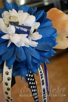 Homecoming Wrist Mum. I'd like to make for cheerleaders this year. Very cute!