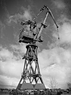 relic - standing there, I was struck by the scale of this industrial crane in Rostock harbour, dwarfing the houses on the other side, and servinf as a monument to the industrial era since gone