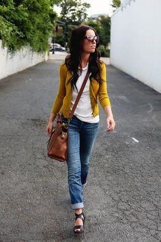 cuffed jeans, mustard cardigan, casual outfit - mustard cardi, beige tank, cuffed skinnies, maybe purple heels - need a brown bag!