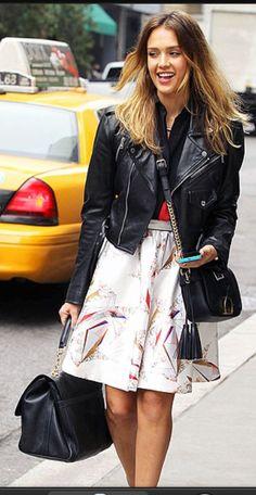 Jessica Alba street chic