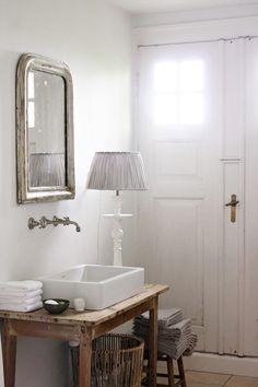 Santa Mariah Deposit: So Beautiful Bathrooms!