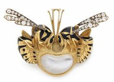 A DIAMOND, MOON STONE AND YELLOW GOLD BROOCH BY RENE LALIQUE