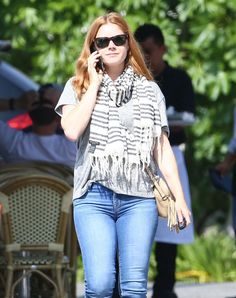 Amy Adams - casual street outfit los angeles Drop Dead Gorgeous, Actress Amy Adams, Amazing Amy, How To Wear Scarves, Street Outfit, Beautiful Celebrities, Women Wear, Celebs, Actresses