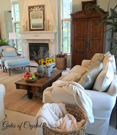 It's too early for pumpkins and the leaves are still green on the trees but you can definitely feel Fall in the air here in Michigan. Coffee Table Vignettes, Living Room Decor Traditional, End Of Summer, Home Decor Inspiration, Gates, French Country, Sweet Home, New Homes, Couch