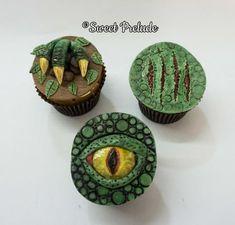 Dinosaur cupcakes by Sweet Prelude (Cake Boy) Dinosaur Cupcakes, Dino Cake, Dinosaur Birthday Cakes, Boys Cupcakes, Dinosaur Dinosaur, Jurassic World Cake, Festa Jurassic Park, Blackberry Cake, Park Birthday