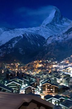 The Matterhorn, Zermatt, Switzerland - ©Maria (-S-) - www.flickr.com/photos/60509750@N08/6719727425/