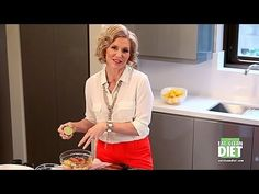 Tosca shows you how to make a brand-new recipe from The Eat-Clean Diet®… Clean Eating Diet, Eating Habits, Healthy Eating, Vegetarian Cookbook, Vegetarian Recipes, Healthy Recipes, Tosca Reno, Foods For Abs, Yogurt And Granola
