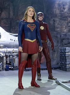 Still of Melissa Benoist and Grant Gustin in Supergirl