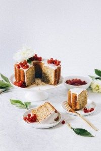 Clementine and Almond Syrup Bundt Cake