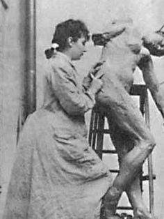 se trata de Camille Claudel,la técnica escultórica que utiliza es el tallado sobre mármol yeso o moldeado en bronce,me gusta porque es una escultora que dio mucho de su vida por el arte hasta el punto de que  al poco de morir perdió la cabeza y rompió muchas de sus esculturas.