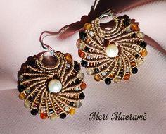 Meri Macramè creazioni in micro macramè   ORECCHINI Macrame Rings, Macrame Bag, Macrame Jewelry, Macrame Bracelets, Bohemian Jewelry, Diy Earrings, Earrings Handmade, Crochet Earrings, Handmade Jewelry