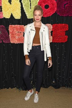 Hailey Clauson Photos - Teen Vogue Celebrates Emma Roberts and Aerie - Zimbio