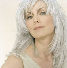 country songstress is even more striking with a silver head of hair ...434 x 445 | 14.2KB | tatteredrosecanada.blogspot...