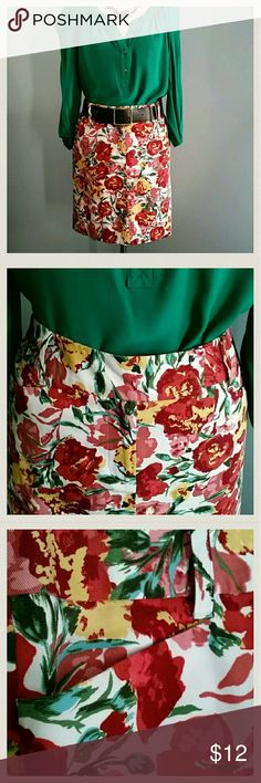 """Ann Taylor LOFT Skirt Floral print skirt by Ann Taylor LOFT. Zips in front with button and two hook closure. Two side pockets, two back pockets, and belt loops. 100% Cotton and fully lined. 17.5"""" in length. LOFT Skirts"""