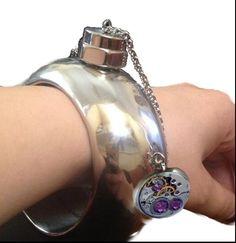 Flask bangle/Lommelerke-armbånd Flask, Steampunk, Bangles, Creative, Bracelets, Steam Punk, Arm Bracelets