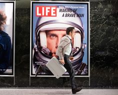 In The Secret Life of Walter Mitty, a remake of the classic 1947 film adaptation of the James Thurber short story, Ben Stiller plays a day dreaming Life Magazine employee who tries to escape the in. Love Movie, Movie Tv, Movie Scene, Movie List, Secret Life, The Secret, Ben Stiller Movies, Life Of Walter Mitty, Viajes