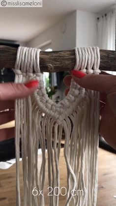Macrame Wall Hanging Patterns, Macrame Plant Hangers, Macrame Patterns, Macrame Design, Macrame Art, Macrame Projects, Diy Crafts For Home Decor, Diy Beach Decorations, Rope Crafts