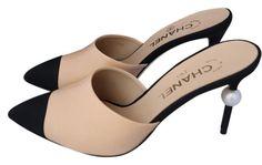 f2a121858254 Chanel Beige Runway Black Leather Heels Pearl 39 Mules Slides Size US 9  Regular (M