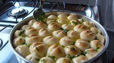 O Pão de Alho Fofinho é perfeito para o seu churrasco! Ele é fácil de fazer, saboroso e vai agradar todos os seus familiares e convidados. Experimente! Vej