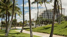 Four Seasons Resort Oahu at Ko Olina is a five-star resort on Oahu's sunny western coasts, close to Honolulu and Waikiki Beach. Places To Travel, Places To See, Hawaii Hotels, Oahu Hawaii, Western Coast, Waikiki Beach, Beach Resorts, Four Seasons, Best Hotels