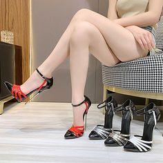Sexy Legs And Heels, Hot Heels, Sexy High Heels, High Heels Stilettos, Stiletto Heels, Great Legs, Nice Legs, Pin Up Girl Vintage, Hot Cheerleaders