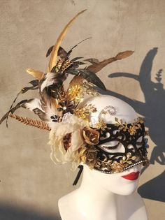 Monarch Butterfly Costume, Butterfly Mask, Lace Masquerade Masks, Venetian Masquerade, Venetian Carnival Masks, Greek Goddess Costume, Cool Masks, Small Leaf, Black Gold
