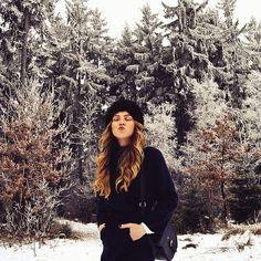 #winter #kiss #life #redhead #redheadbrasil #redhair #curls #lips #russian #fashion #trees #frozen #vscoportrait #mood #ootd #freckles #trendbookcz #liberec #jablonec #czechrepublic #moodyports #createcommune #rsa_portraits #model #instagram_faces #top_portraits #sensual #style #stylish #illgrammers #model #redhead #ruivo