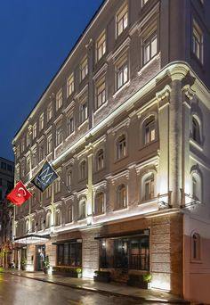 The Galata Hotel Istanbul - MGallery by Sofitel is recently renovated as Italian bank building (La Banque de Constantinople). Hotel Website Design, Luxury Hotel Design, Istanbul Hotels, Adventures Abroad, Banks Building, Spa Center, Best Spa, Baroque Architecture, Great Hotel