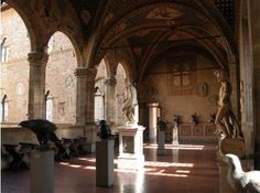 Bargello Museum, a former palace and quieter sculpture