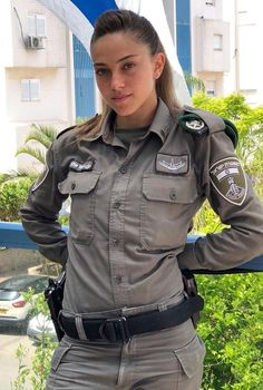50 Beautiful Army Women With Without Uniform Looking Stunning Idf Women, Military Women, Military Female, Israeli Female Soldiers, Mädchen In Uniform, Israeli Girls, Female Cop, Military Girl, Girls Uniforms