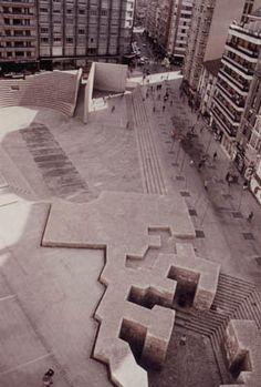 Eduardo Chillida_Vitoria (ESP)_Plaza de los Fueros_1980