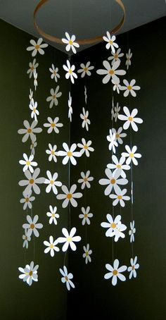 nice Daisy Flower Mobile - Paper Daisy Mobile for Nursery, Baby or Kids Decor - Shower Gift - Decoration Paper Flowers Diy, Flower Crafts, Diy Paper, Paper Crafts, Giant Flowers, Paper Toys, Kids Crafts, Diy Home Crafts, Teen Girl Crafts