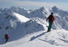 When naming the world's top ski resorts, New Zealand is often overlooked, with the masses heading for Europe, Japan and Canada. Top Ski, Ski Holidays, Ski And Snowboard, Holiday Destinations, Greys Anatomy, Winter Wonderland, New Zealand, Mount Everest, Skiing