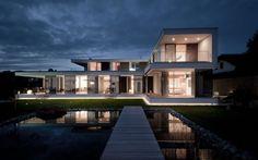 Beim Projekt Haus SK handelt es sich um ein modernes Wohnobjekt, das in Österreich vom ArchitektenteamTWO IN A BOX –...