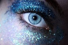 galaxy glitter blue eye makeup by ladonna Eye Makeup Images, Makeup Art, Hair Makeup, Makeup Style, Makeup Ideas, Glitter Eye Makeup, Blue Eye Makeup, Black French Manicure, Blaues Make-up