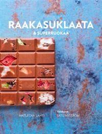 Syö suklaata ja voi hyvin. Raakasuklaa on suklaata, jota voit valmistaa parhaista mahdollisista raaka-aineista yksinkertaisin kotikonstein. Ravitsemuksellisesti raakakaakao on huippuraaka-aine, joka sopii suklaan valmistuksen ohella loistavasti myös muuhun käyttöön. Kaakaon maku kruunaa yllättävästi jopa kasvis-, kala- kuin liharuoatkin. Raakakaakaotuotteiden lisäksi kirjassa nautitaan myös muista superruoista kotimaisista ulkomaisiin. Raakasuklaata ja superruokaa -kirja on inspiroiva teos…