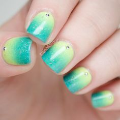 Green Gradient Nail Art