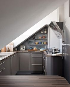 Attic kitchens pros and cons of cooking in the rafters - Cuisine design petite surface ...
