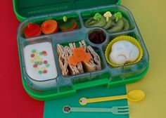 Eats Amazing - Car themed lunch in the Yumbox