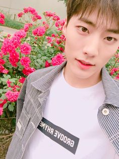 "IMFACT Fancafe update: 160527  Jeup:  ""즐거운 주말 보내요!!""  (trans. ""Have a nice weekend!!"")"