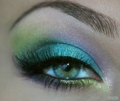 Woah! I seriously doubt I could pull this off but it is b-e-a-utiful!