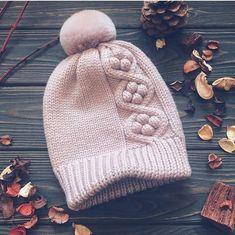 Myslíme si, že by sa vám mohli páčiť tieto piny - piatrikovaa Knitting For Kids, Knitting Projects, Baby Knitting, Knitting Stiches, Knitting Patterns, Knit Crochet, Crochet Hats, Knit Beanie Hat, Beanies