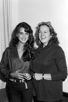 Brooke Shields and her mother Teri Shields at a Hollywood Foreign Press Association brunch in Beverly Hills, CA (USA), Brooke Shields Joven, Brooke Shields Young, Pretty Baby 1978, Childhood Photos, Beverly Hilton, Katie Holmes, Child Models, Mannequin, American Actress