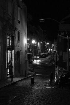 Alfama night shot by carlosmromasantos