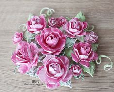 Shape using the Rose shaping mold. Glue together 4 - 5 petals for each flower. Green Paper, Gold Paper, Watercolor Rose, Watercolor Background, Paper Roses, Flower Paper, 3d Rose, Heartfelt Creations, Colored Paper