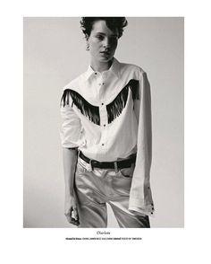 """817 次赞、 2 条评论 - JOHNLAWRENCESULLIVAN (@johnlawrencesullivan_official) 在 Instagram 发布:""""JOHN LAWRENCE SULLIVAN buttoned coat in PYLOT magazine. Photographed by Eamonn Freel Styled by…"""""""